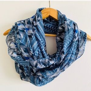 Chevron Patterened Blue Lightweight Scarf